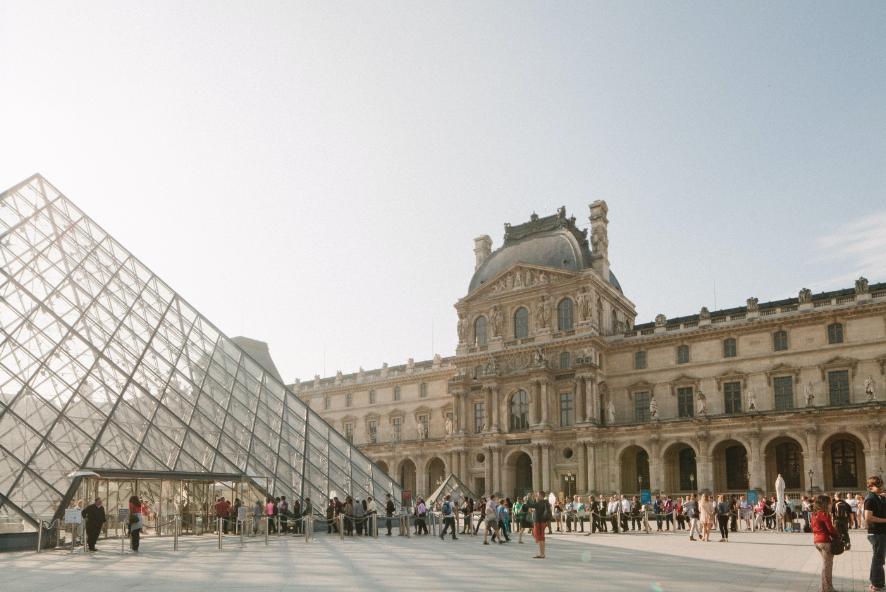 متحف اللوفر في باريس ، فرنسا